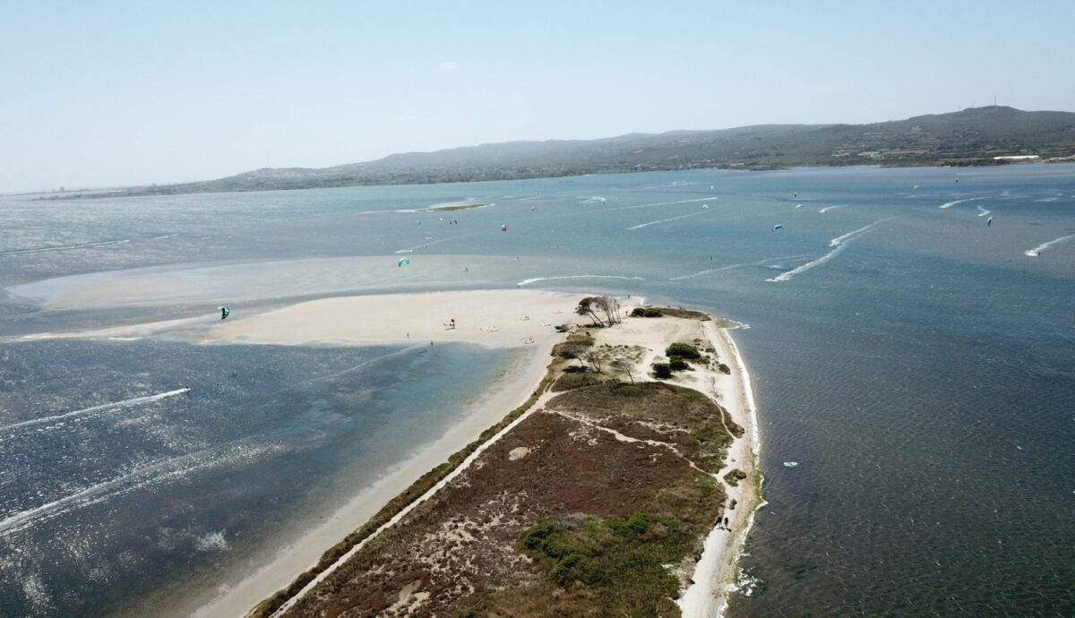 Punta Trettu Kite spot con acqua bassa, il migliore della Sardegna