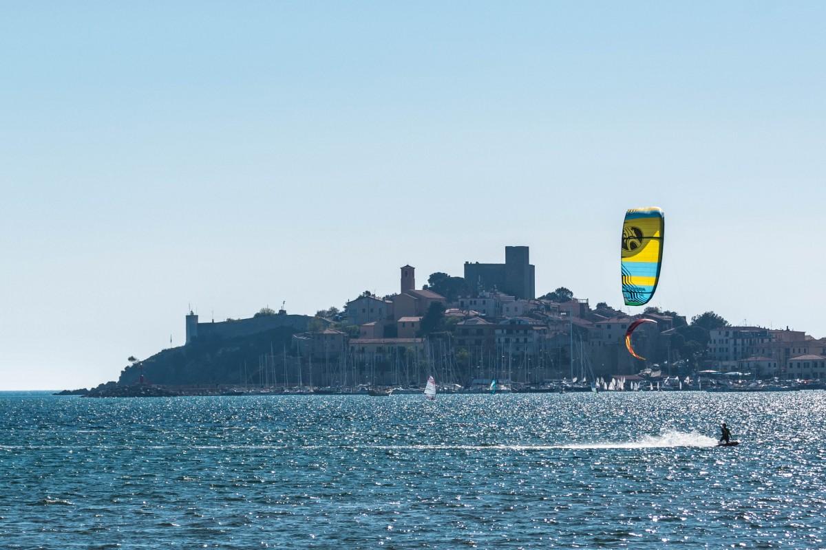 Kite a Talamone in Toscana